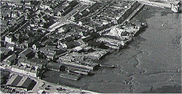 Private shipbuilding slipways, sheds and cranes, c. 1970. Gordon Street